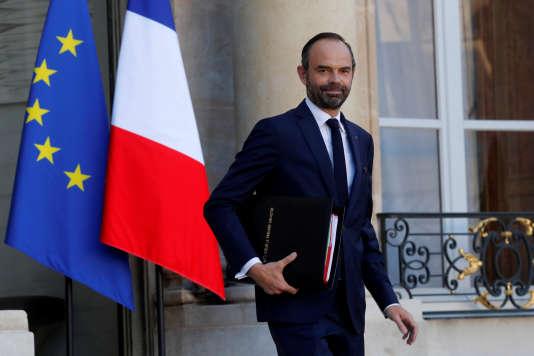 Le premier ministre Edouard Philippe quitte l'Elysée, le 22 novembre 2017.