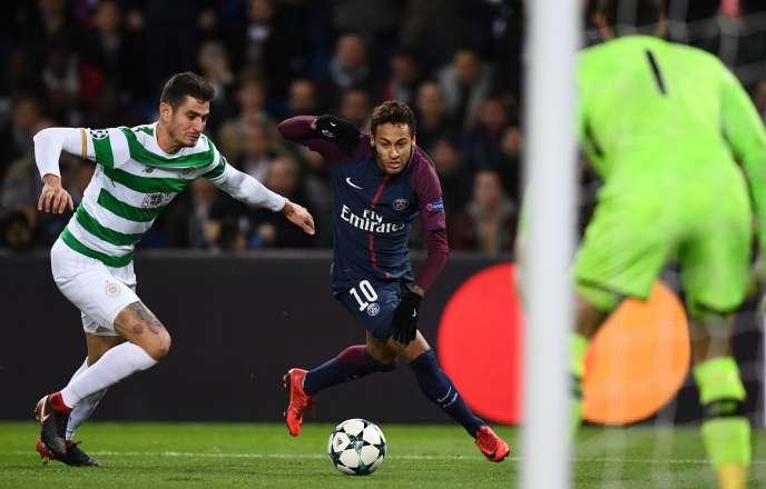 Neymar a marqué deux buts face aux Celtics, mercredi22 novembre au soir.
