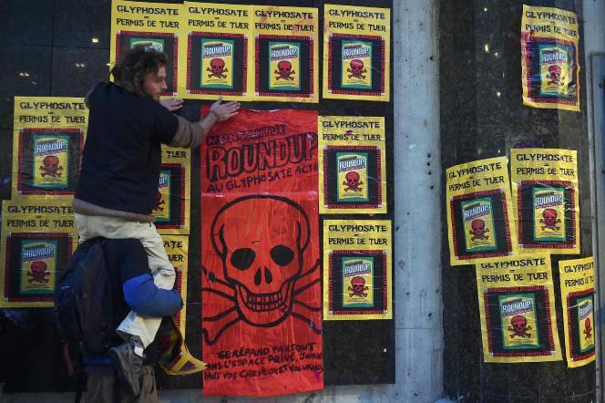 Des militants antipesticides à Toulouse, le 22 novembre.