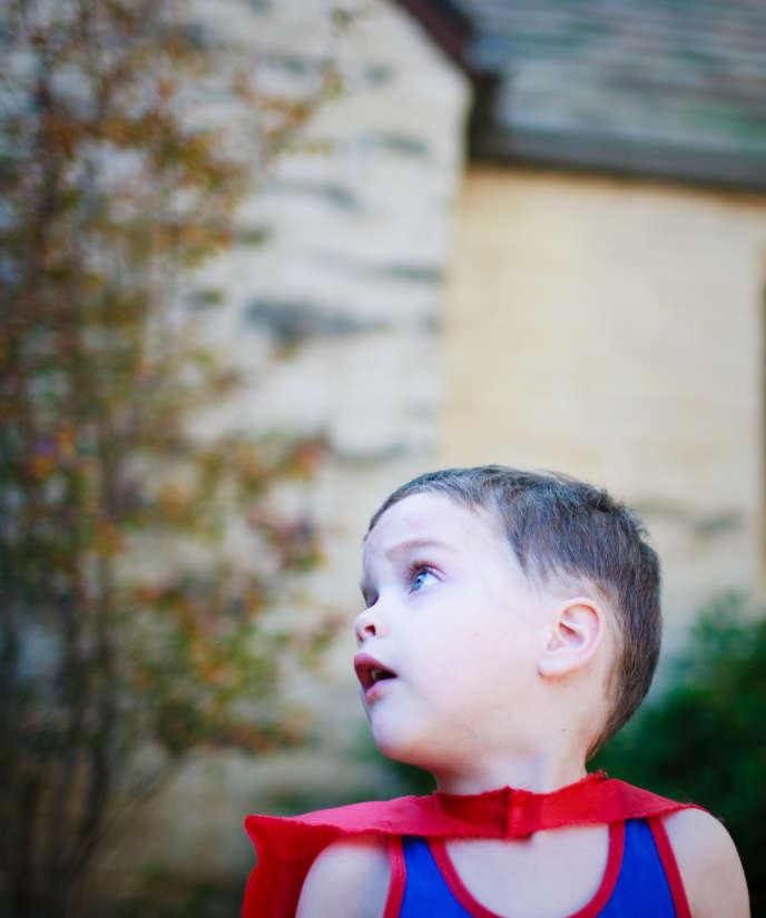 Aux yeux de l'enfant, Dieu, comme les super-héros, est doté de pouvoirs extraordinaires: il est invincible.