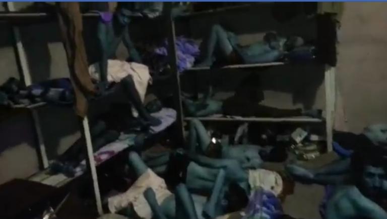 Capture d'écran de la vidéo filmée clandestinement par des migrants marocains en Libye.