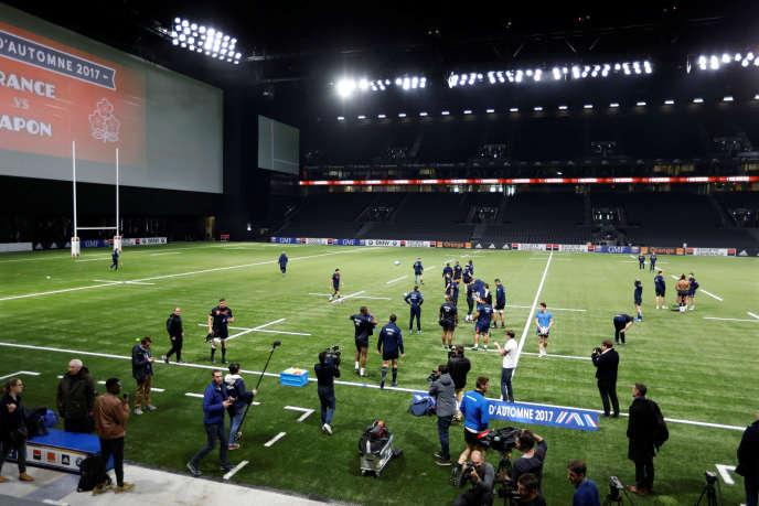 L'équipe de France de Rugby à l'entraînement dans le stade U Arena à Nanterre, jeudi 23 novembre, avant son match de samedi contre le Japon.