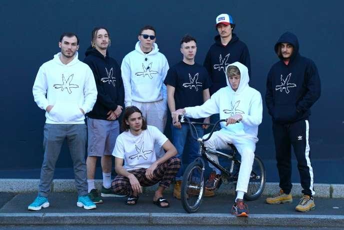 Columbine est un collectif d'une dizaine d'artistes rennais (22 ans d'âge moyen).