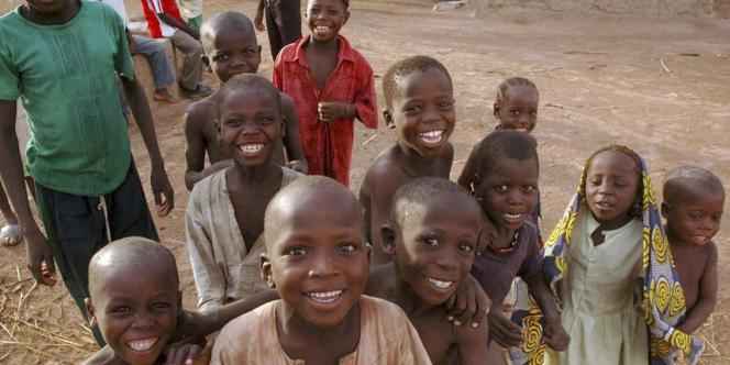 Des enfants du village de Dareta, dans le nord-ouest du Nigeria, en juin 2010.