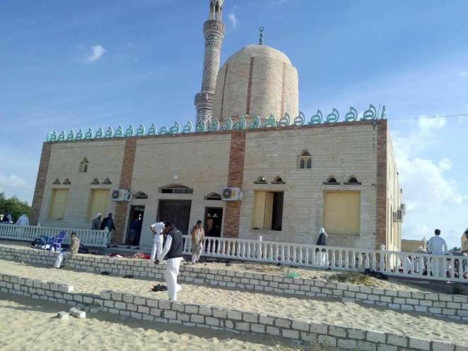 La mosquée Al-Rawdah, après l'attaque, le 24 novembre.