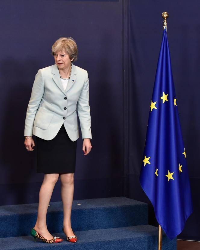 Theresa May, la première ministre britannique, à Bruxelles, le 24 novembre 2017.