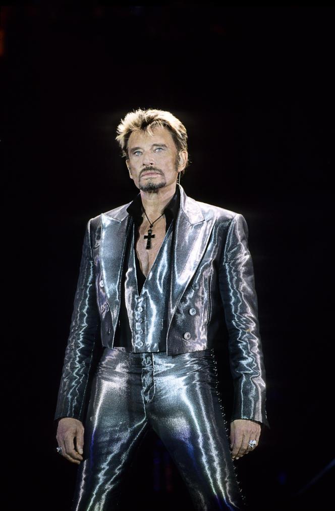 Johnny Halliday en concert auParc des princes, en 2003.
