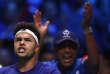 Jo-Wilfried Tsonga, et son capitaine, Yannick Noah, après la victoire du Français sur Steve Darcis, vendredi24novembre.