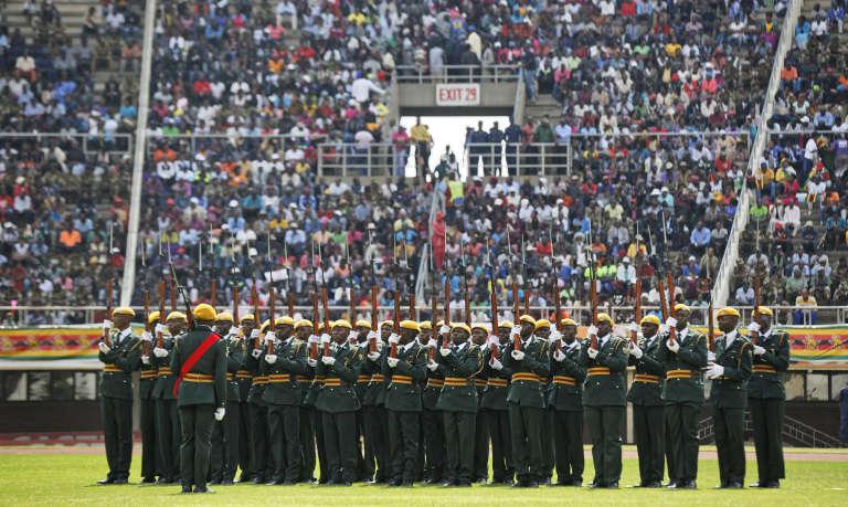 Parade militaire avant l'investiture d'Emmerson Mnangagwa, à Harare.