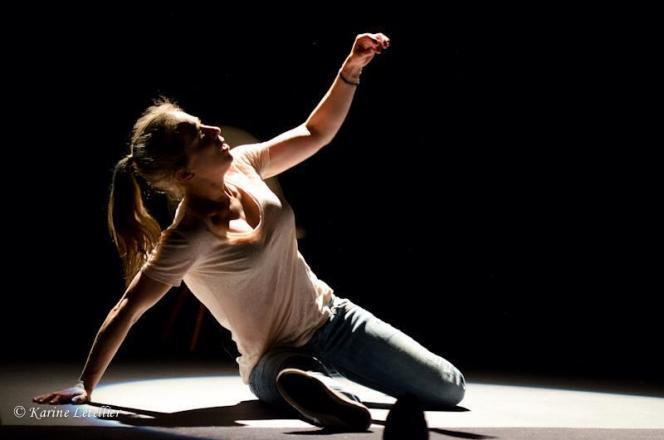 Andréa Bescond sur scène dans «Les Chatouilles ou la Danse de la colère».