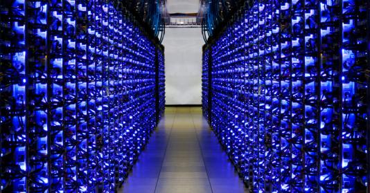 Google utilise des témoins à LED parce qu'ils sont plus économes en énergie et durables.