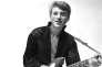 Johnny Hallyday lors d'une séance photo en studio, en1960.