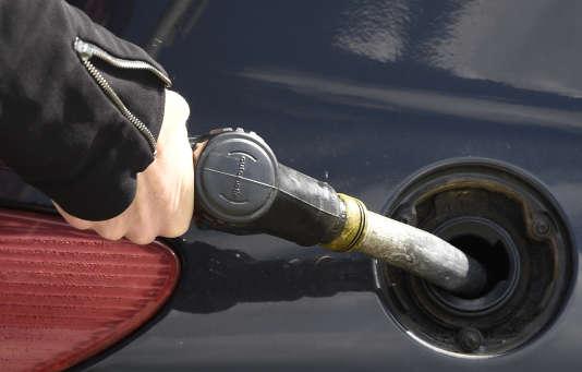 La société Gaston propose un service de livraison de carburant à domicile.