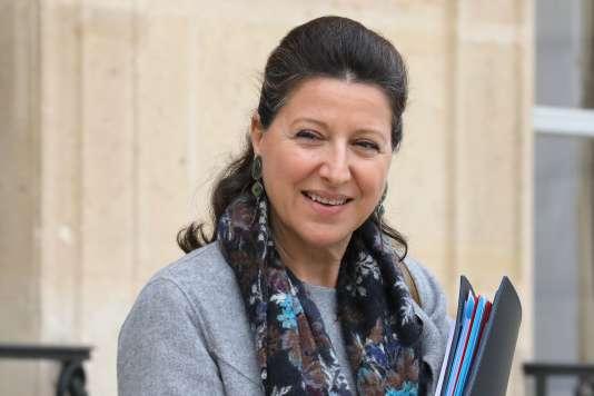 La ministre de la santé et des solidarités, Agnès Buzyn, à sa sortie de l'Elysée, le 15 novembre, à Paris.