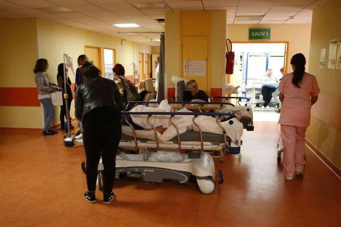 Aux urgences du centre hospitalier de Bastia, le 21novembre.