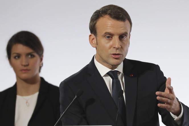 La secrétaire d'Etat chargée de l'égalité entre les femmes et les hommes Marlène Schiappa etEmmanuel Macron à l'Elysée, le 25novembre.