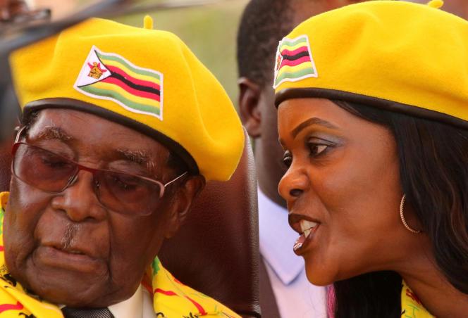 Robert et Grace Mugabe, à Harare, le 8 novembre.
