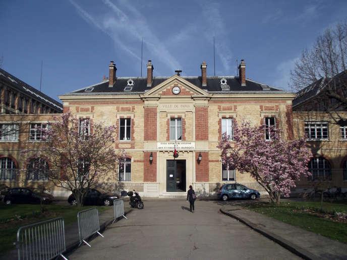 L'école supérieure Estienne, à Paris.