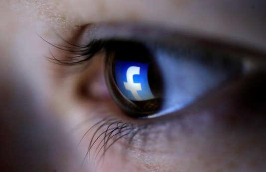 Facebook teste depuis mars une technologie permettant de repérer les messages suicidaires.