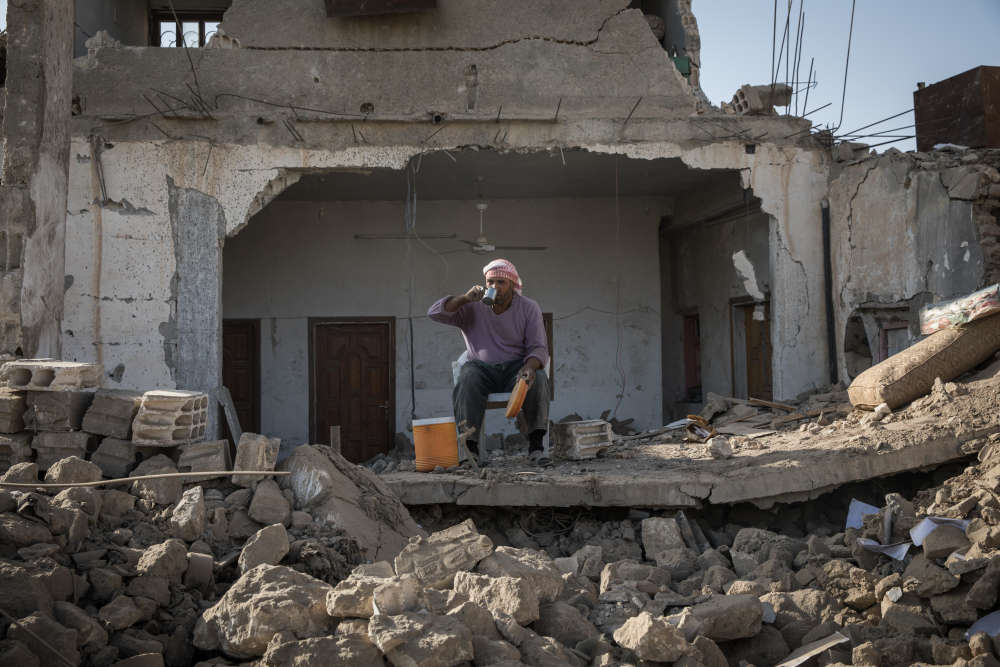 Le quartier a été fortement endommagé par des frappes aériennes menées par la coalition internationale.