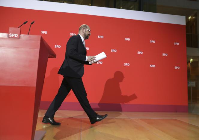 Le président du Parti social-démocrate d'Allemagne (SPD), Martin Schulz, après une conférence de presse à Berlin, en Allemagne, le 27 novembre 2017.