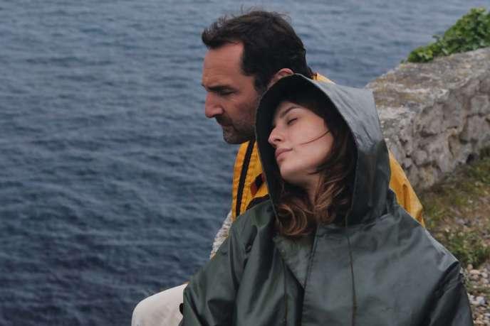 Gilles Lellouche et Maria Valverde dans le film français de Mélanie Laurent,«Plonger».
