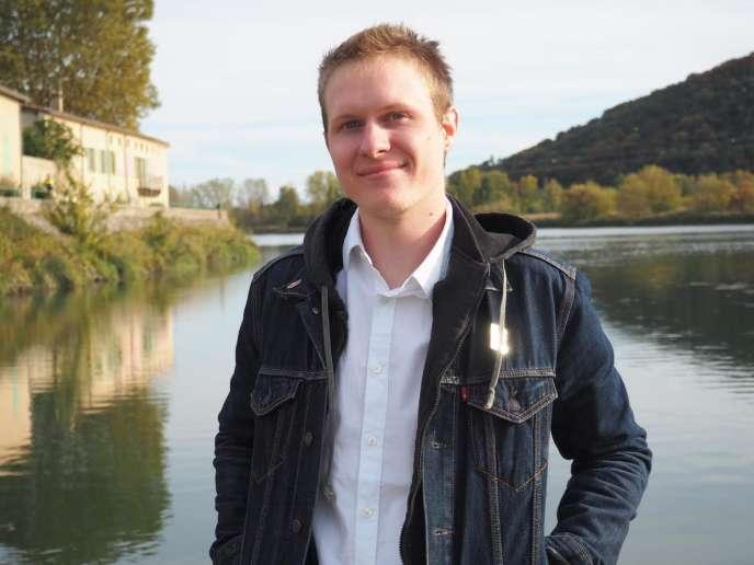 Romain Gandolphe, diplômé de l'Ecole nationale supérieure des beaux-arts de Lyon.