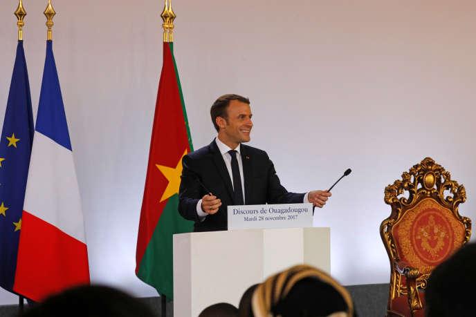 Emmanuel Macron lors de son discours devant les étudiants de l'université Ouaga-I, à Ouagadougou, le 28 novembre.
