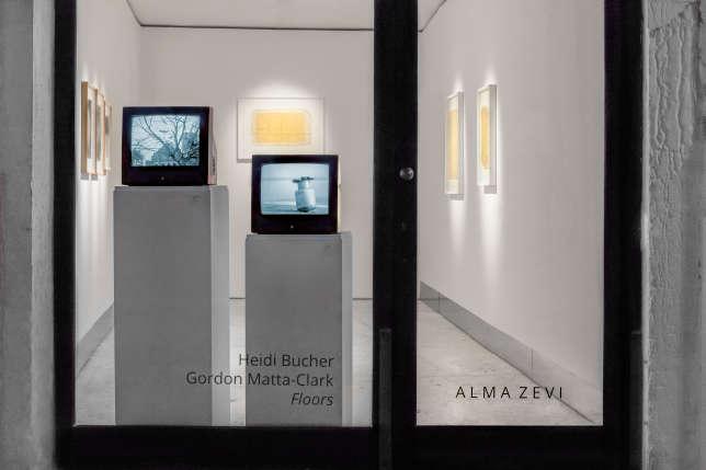 La galerie suisse a ouvert une minuscule antenne à Venise. Elle présente actuellement«Bodyshells», deHeidi Bucher,et «Tree Dance», de Gordon Matta-Clark.