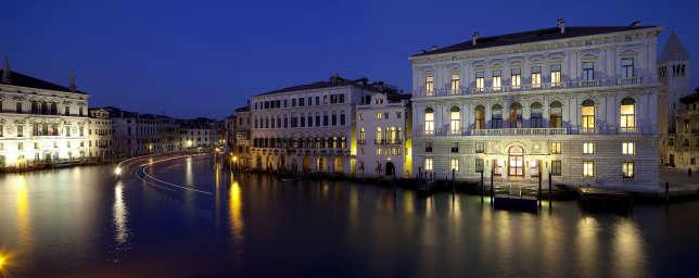 Le Palazzo Grassi, au bord du Grand Canal.