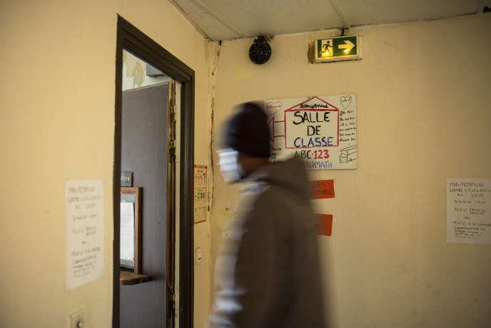 Une trentaine de mineurs étrangers isolés squattent depuis mi-octobre dans un ancien hôtel.