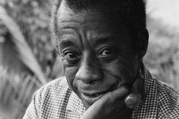 L'écrivain américain dans sa maison de Saint-Paul-de-Vence (Alpes-Maritimes) en 1979.