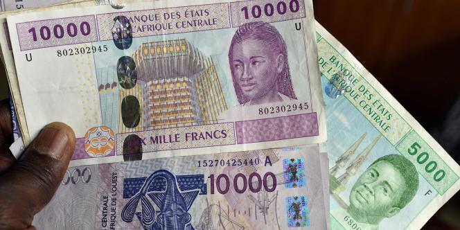 Des francs CFA au Tchad, en novembre 2016.