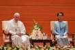 Le pape François et la dirigeante birmane Aung San Suu Kyi, à Naypyidaw, le 28 novembre.