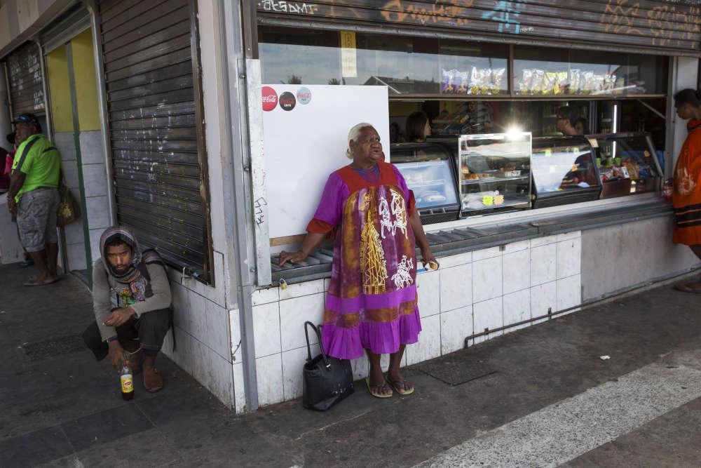 A la gare routière de Nouméa, le 21 novembre.