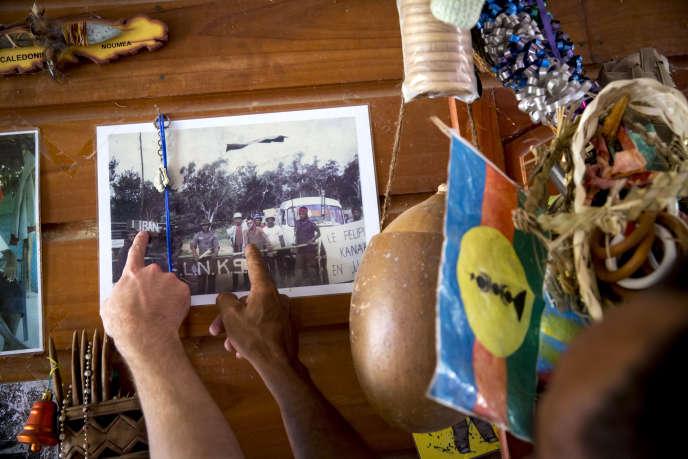 Claude Metzdorf, caldoche, et Hilaire Meumeureu-Gowé, Kanak, étaient face à face durant les évènements de novembre 1984 à Poya. Réconciliés, ils se remémorent cette époque d'avant le référendum de 2018.