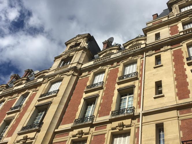 Un immeuble dans le XVIearrondissement de Paris.