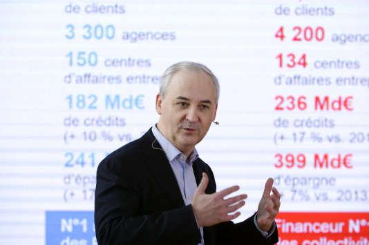 Francois Pérol, le 21 février 2017 à Paris. / AFP PHOTO / ERIC PIERMONT