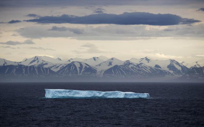 L'île Bylot est une île du Canada située dans le passage du Nord-Ouest et faisant partie de l'archipel arctique canadien.
