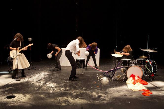 « Fruits of Labor», un spectacle de Miet Warlop.