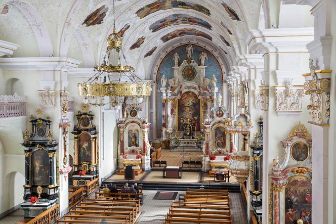 L'église baroque adossée à l'abbaye bénédictine d'Engelberg.