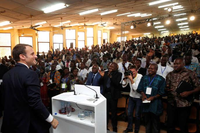 Le président Macron, à l'université de Ouagadougou, le 28 novembre.