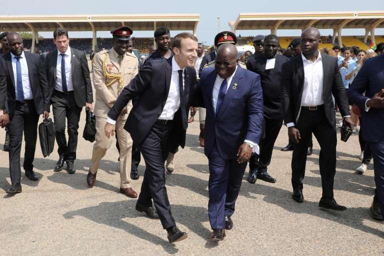 Emmanuel Macron et le président du Ghana, Nana Akufo Addo, le 30 novembre à Accra.