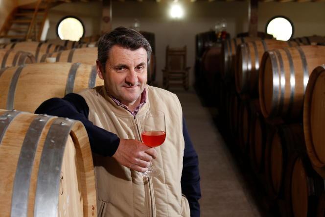 Benoît Lahaye dans son nouveau chai de Bouzy en Champagne.