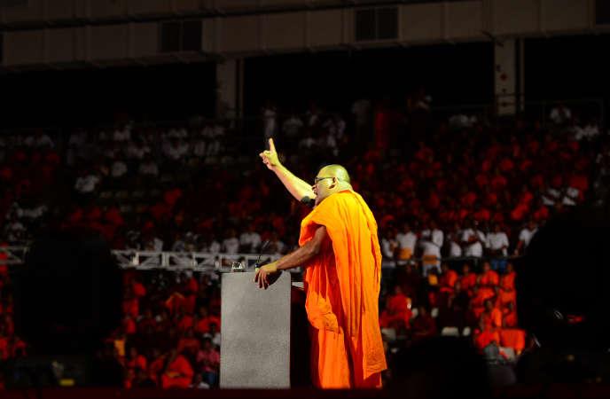 Lors d'un rassemblement du mouvement extrémiste bouddhiste sri-lankais Bodu Bala Sena (BBS), à Colombo, en 2014.