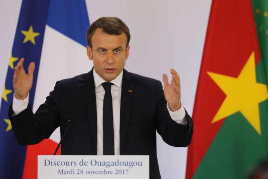 Le président Emmanuel Macron lors de son discours à Ouagadougou (Burkina Faso), le 28 novembre 2017.