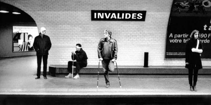 Sur les 303 stations du métro parisien, neufs seulement sont accessibles en fauteuil roulant, soit environ 3% du réseau métropolitain.