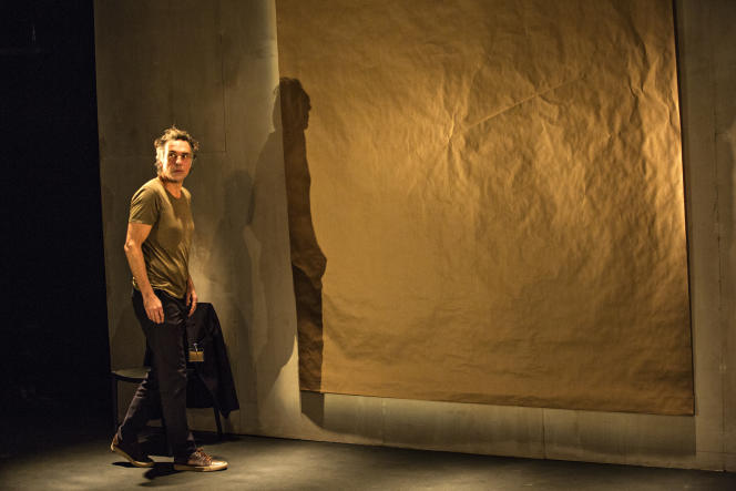 Nicolas Bouchaud dans «Maîtres anciens», de Thomas Bernhard, un spectacle qu'il a conçu et qu'il interprète seul.