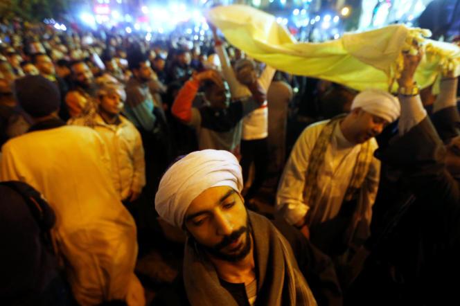 Au Caire, le 1er décembre 2017, des adeptes du soufisme célébrent la fête du Mawlid qui commémore la naisssance du prophète Mahomet.