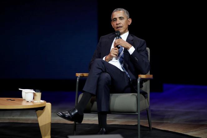 Barack Obama dansl'auditorium de la Maison de la Radio, à Paris, le 2 décembre.